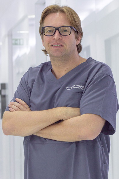 Dr-Maximilian-Riewer-german-dentist-in-dubai